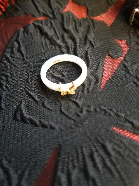 Кольцо керамика ,очень красиво смотрится