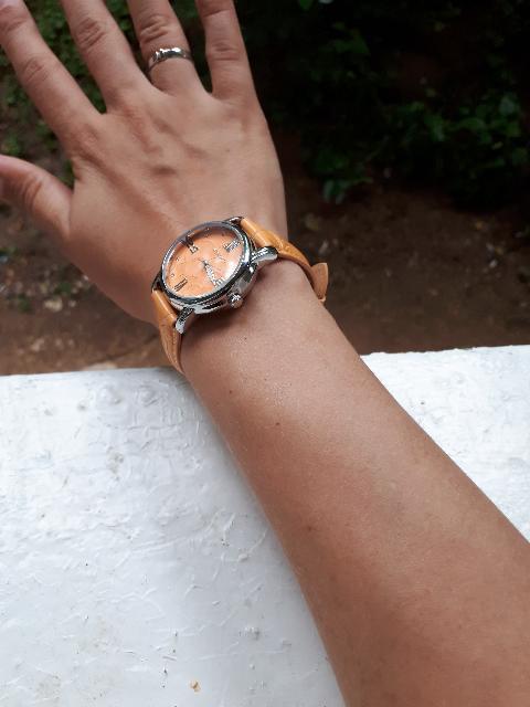 Красивые  часы на каждый день.