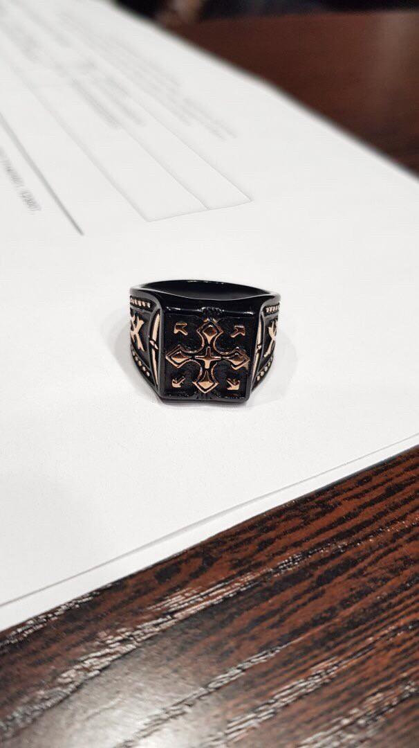 Стильное мужское кольцо.