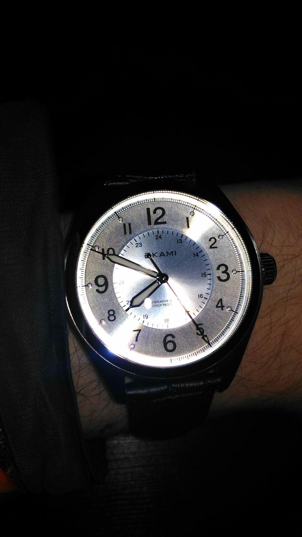 Купил часы, доволен ими