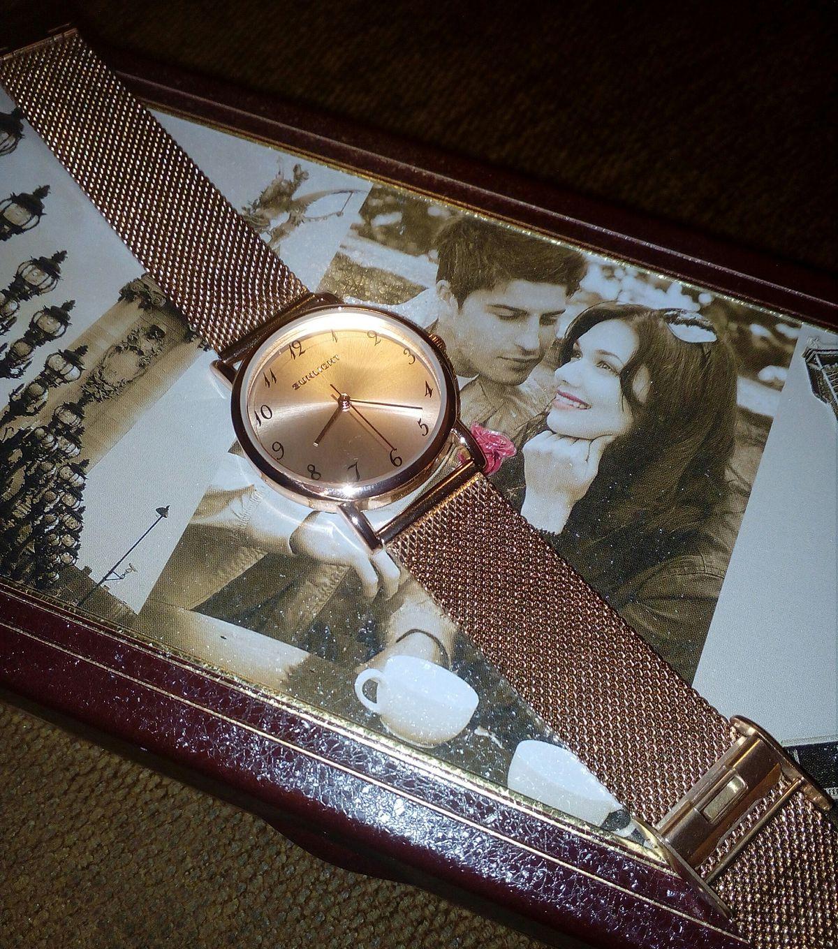 Достойные стильные часы!