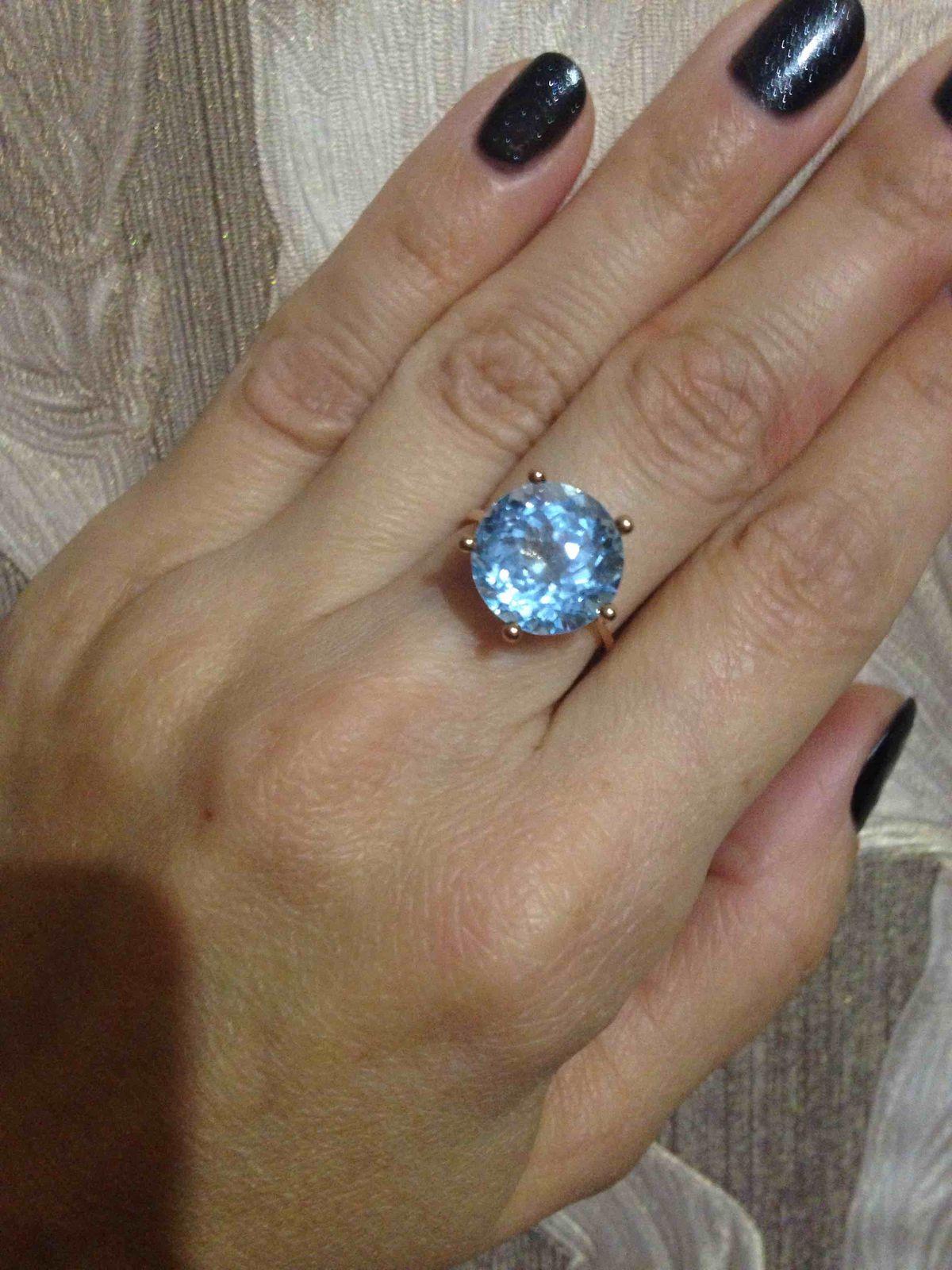 Очень красивые серьги и кольцо !