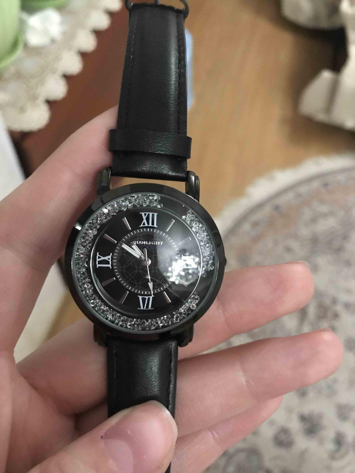 Купила себе часы в Sunlight и осталась очень довольна))))))