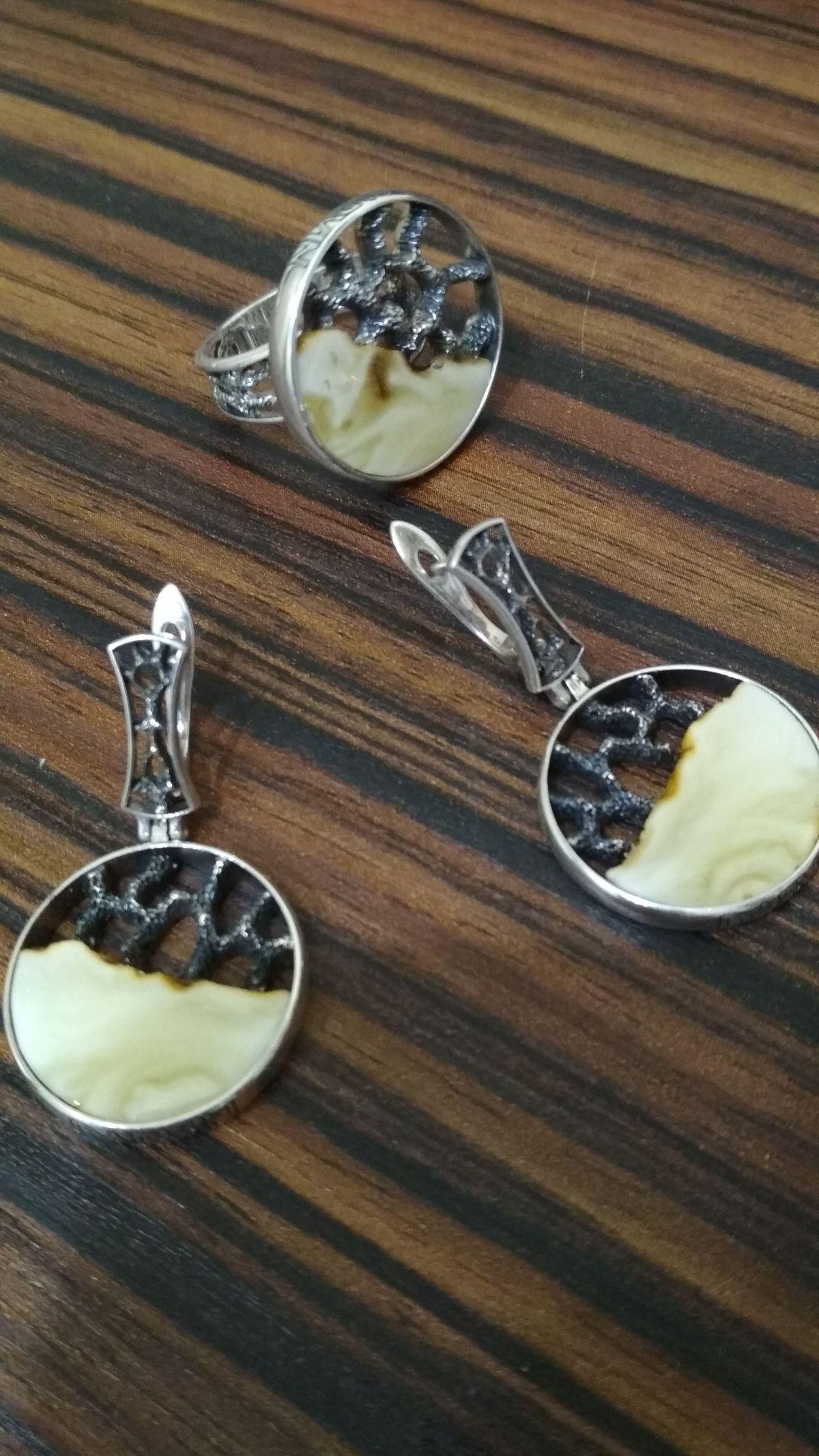 Серьги и кольцо, янтарь, почерненое серебро