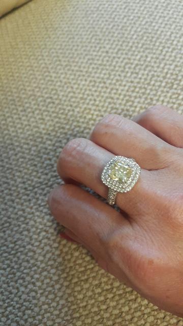 Кольцо с желтым камнем