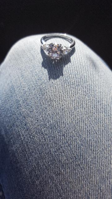 Кольцо красивое и элегантное