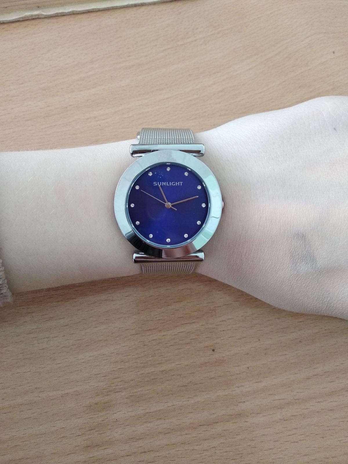 Часы с металлическим ремешком
