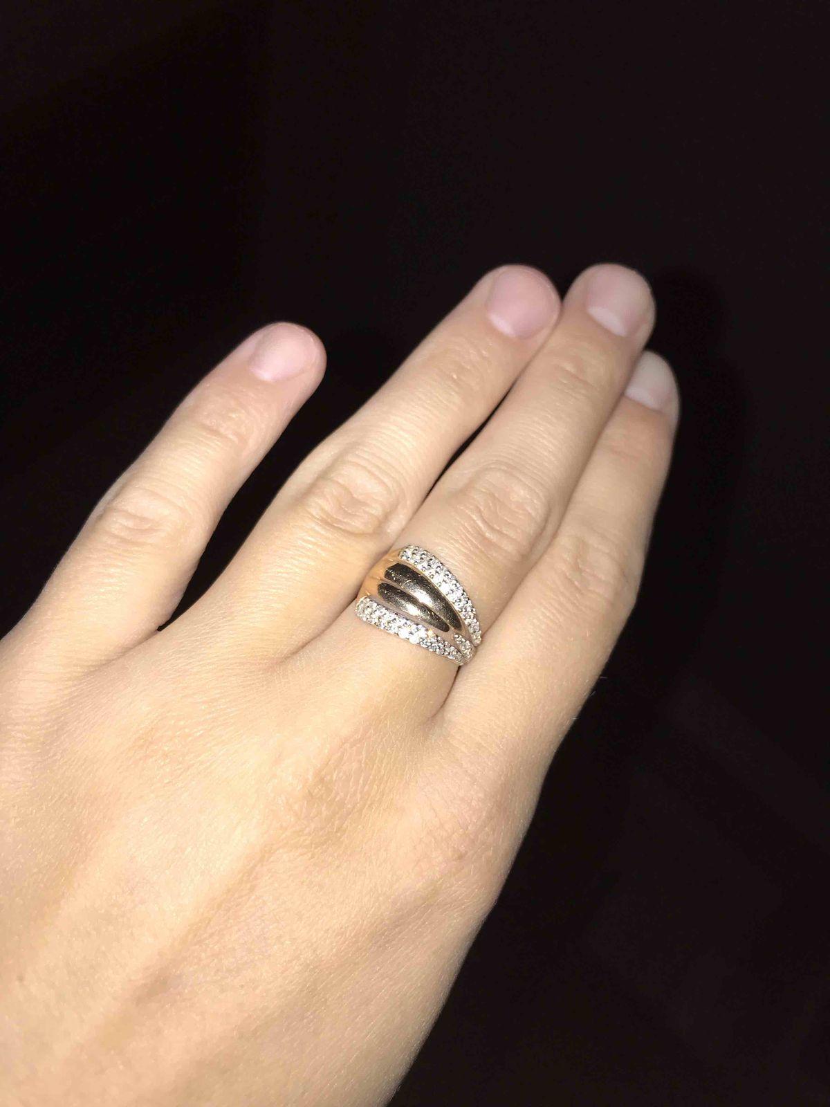 Изящное кольцо