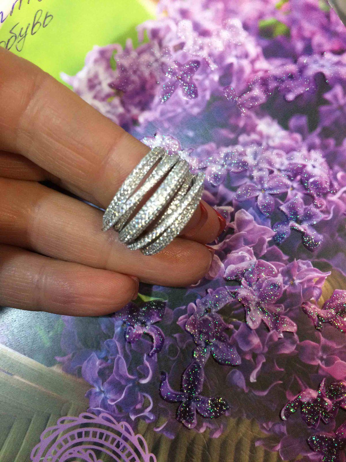 Шикарное кольцо для шикарной девушки