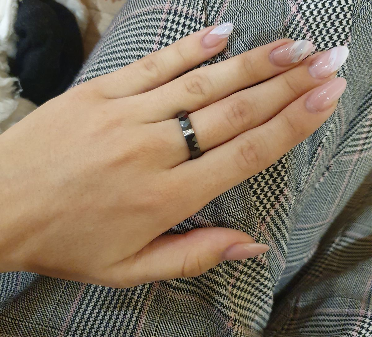 Стильное минималистичное кольцо.